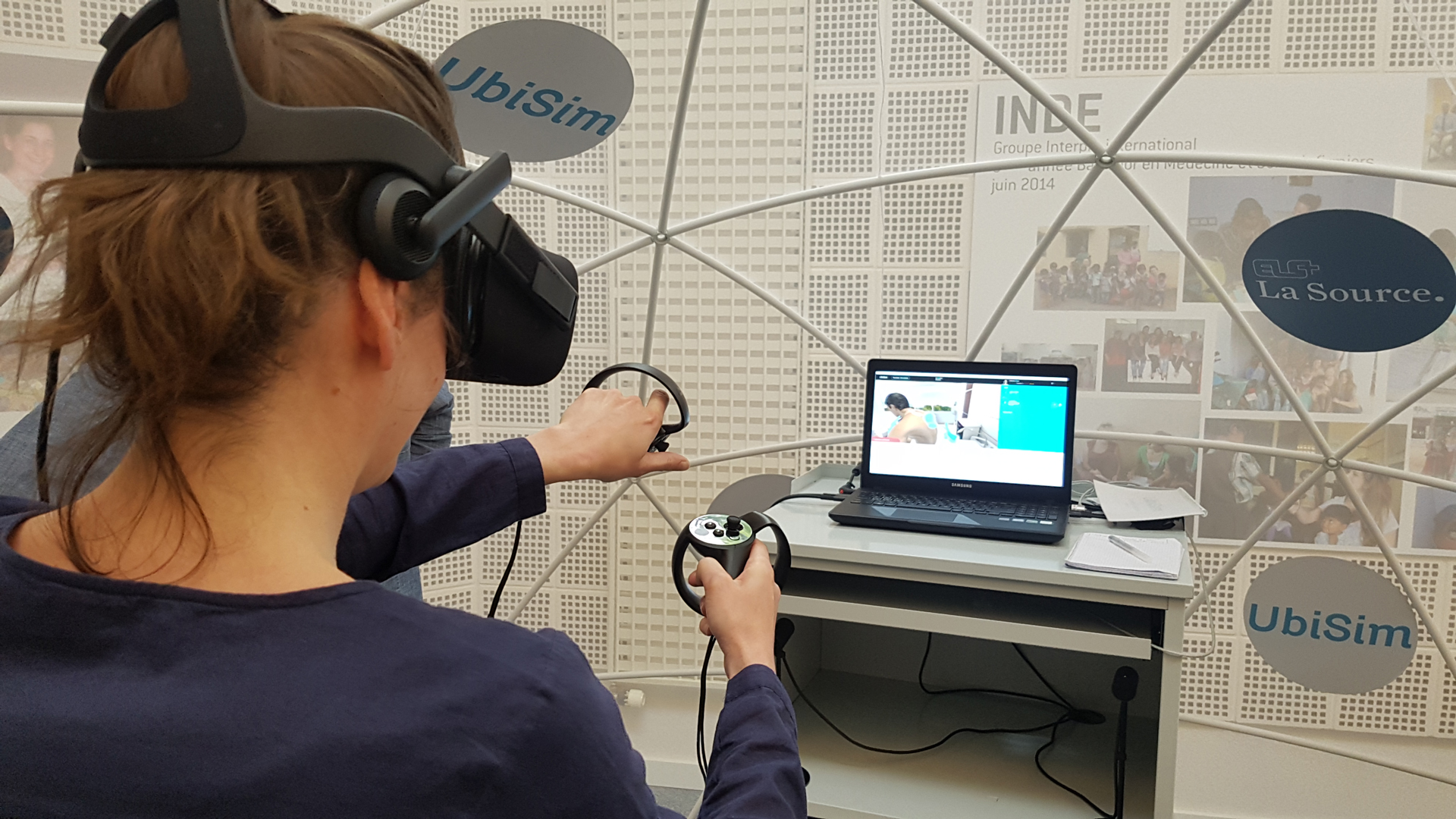 Nursing student using VR simulation