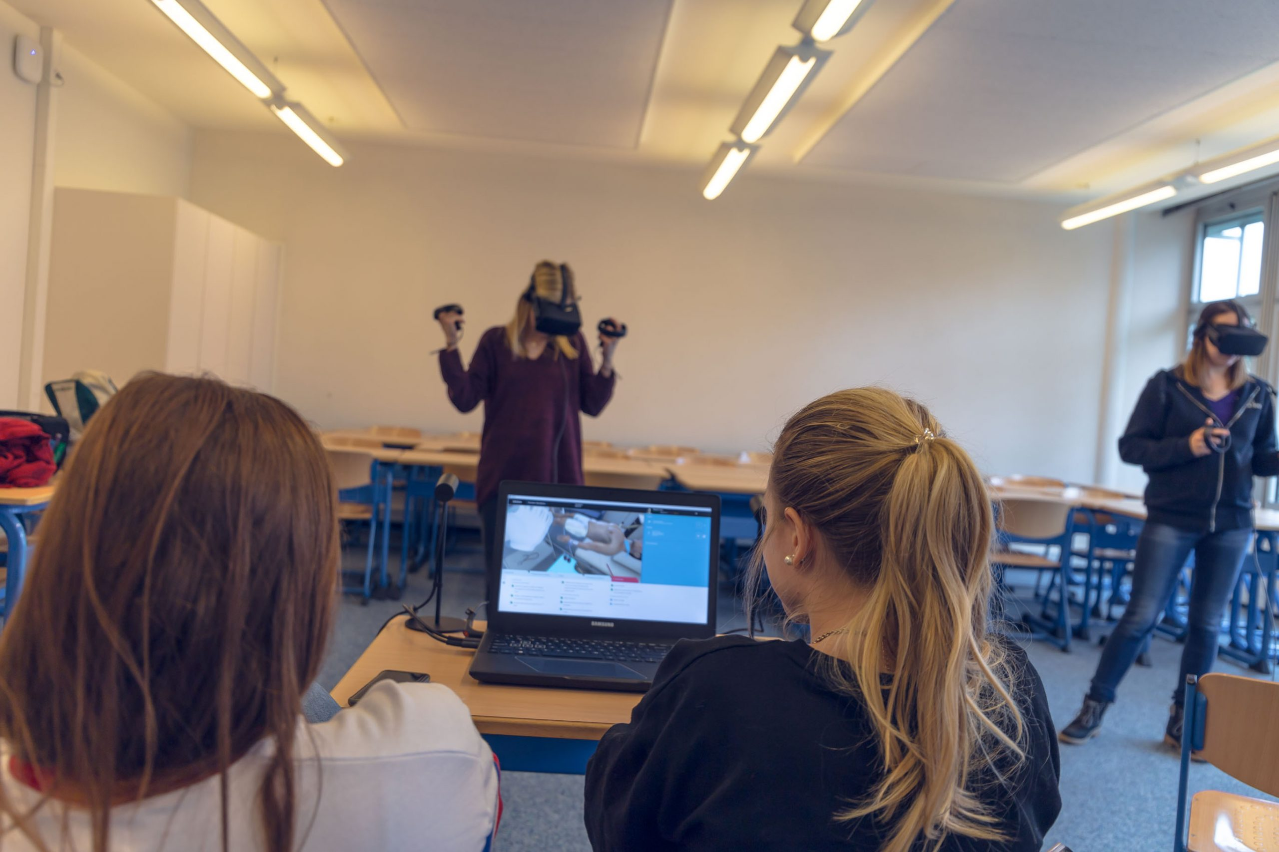 Using Immersive VR Simulation to Provide A Structured Clinical Learning Experience